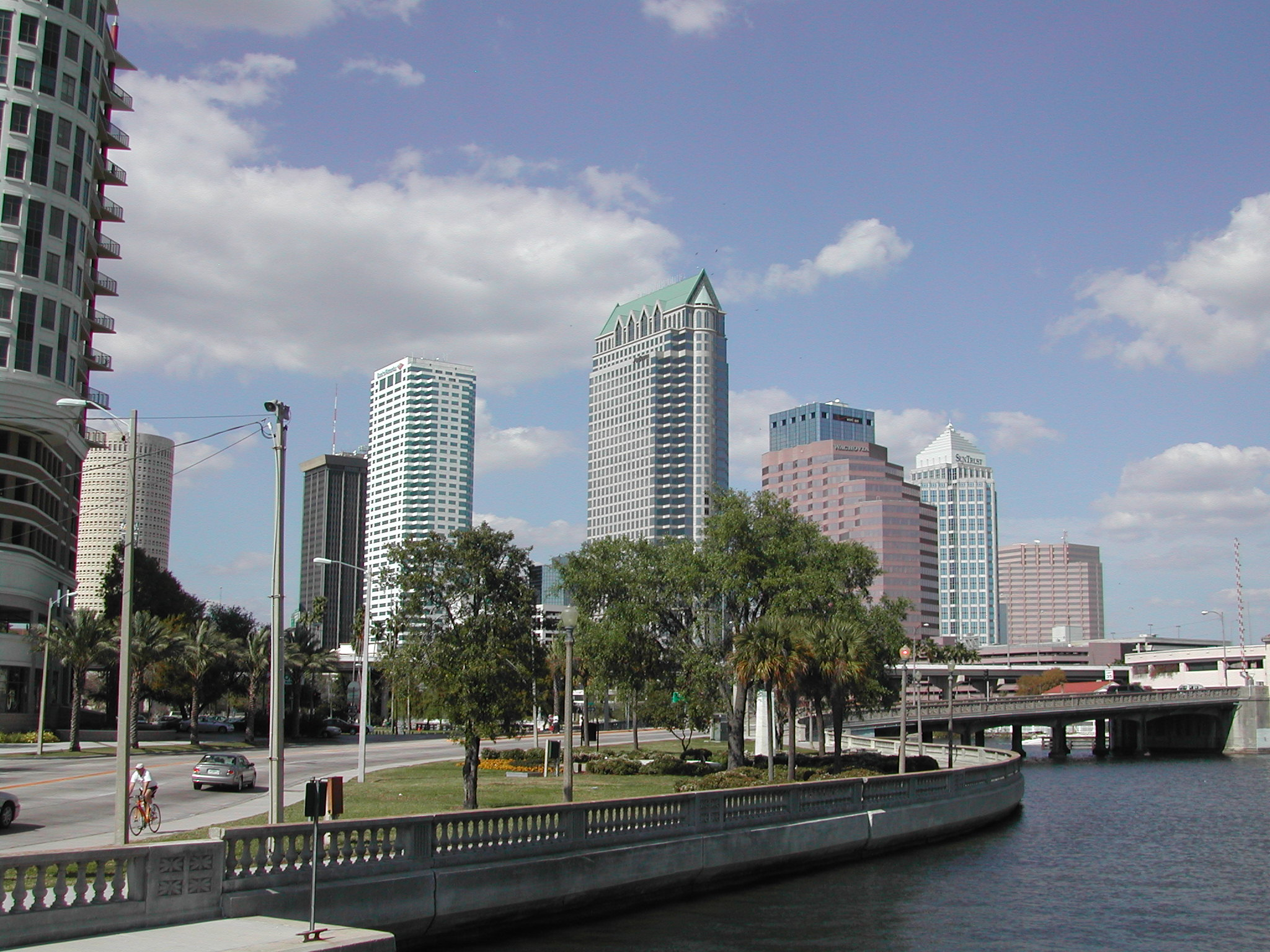 7 Amazing Nightime Hotspots To Check Out In Tampa Usa